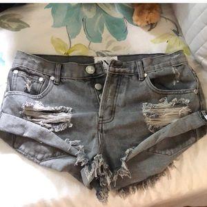 One Teaspoon Bandit Distressed Shorts 😍